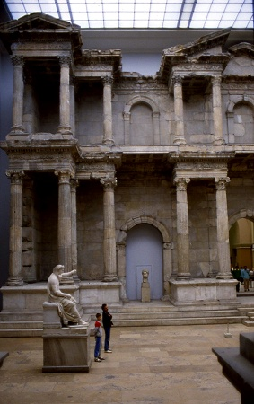 Pergamon Museum - photo C. Rau 1987